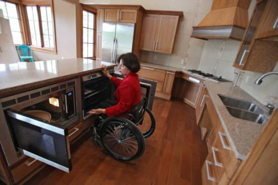 universal-design-living-lab-accessible-oven